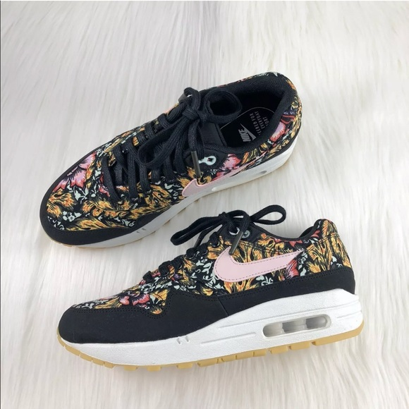 half off acfb2 d3295 Womens Nike Air Max 1 QS Floral Sneakers